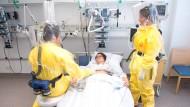 Seuchen-Übung auf der Isolierstation des Robert-Bosch-Krankenhaus in Stuttgart