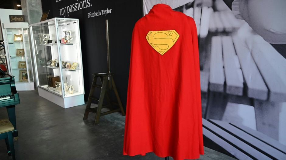 Supermans Umhang unter dem Hammer