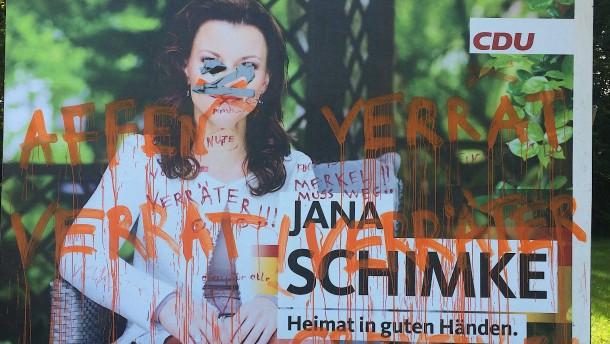 Plakate als Zielscheibe