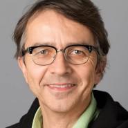 """Christian Geyer - Portraitaufnahme für das Blaue Buch """"Die Redaktion stellt sich vor"""" der Frankfurter Allgemeinen Zeitung"""
