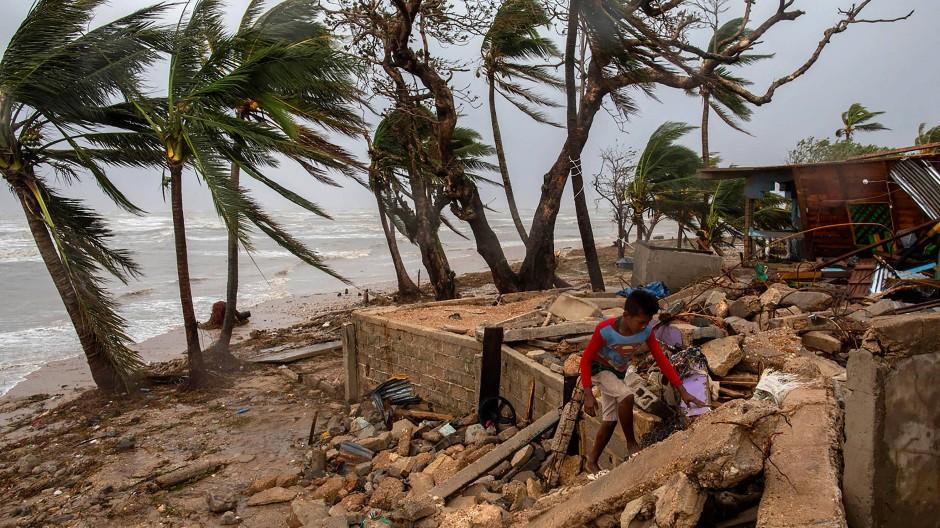 """Zerstörungen durch Hurrikan """"Iota"""" in Mittelamerika"""