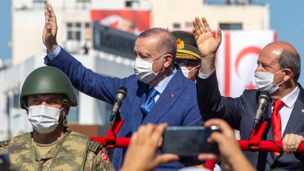 Erdogans Spiel mit dem Feuer