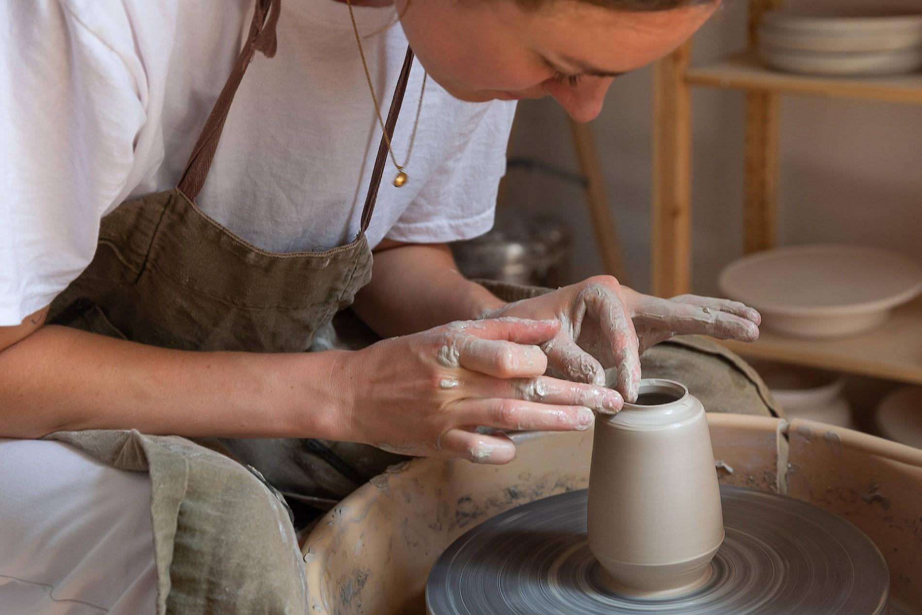 Topferin Viola Beuscher Aus Frankfurt Keramik Ist Im Trend