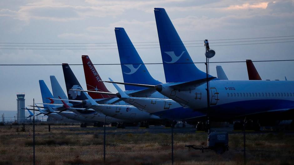Mehrere Flugzeuge des Typs 737 Max stehen auf einem Gelände Boeings auf dem Grant County International Airport in Moses Lake.
