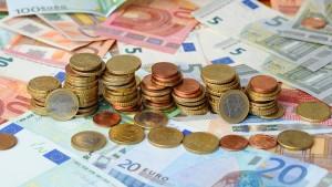 Hoher Staatsüberschuss befeuert Steuerstreit