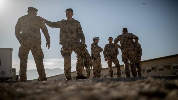 Bericht des Wehrbeauftragten: Die Soldaten bügeln viele Mängel aus