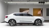 Viel Blech, schmale Fenster: Der Volvo-Prototyp als Limousine