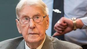 Früherer Auschwitz-Wachmann ein Jahr nach Urteil gestorben