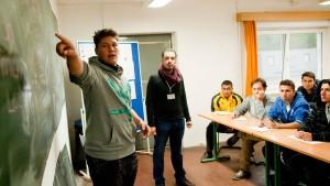Jugendliche sind der Flüchtlingsthematik überdrüssig
