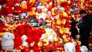 Ziege oder Schaf laden Chinesen zum Luftholen ein