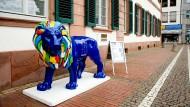An geschichtsträchtigem Ort: Der Hessenlöwe vor dem Kollegiengebäude in Darmstadt
