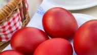 Rot wie Christi Blut: Ostereier nach orthodoxem Geschmack