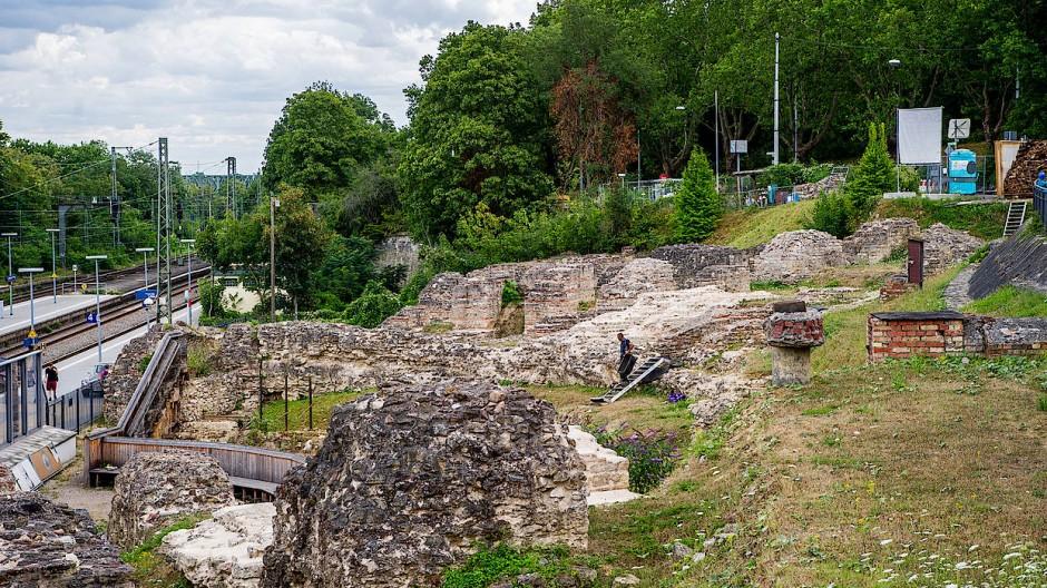 Sollen aufgewertet werden: die Ruinen und Mauerreste der Ausgrabungsstätte Römisches Theater in Mainz
