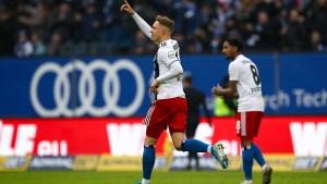 HSV wieder Spitzenreiter – Torspektakel in Wiesbaden