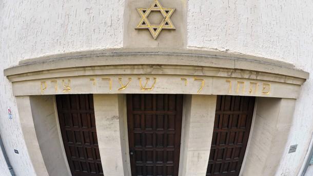 Jede zweite Woche Angriff auf Synagoge