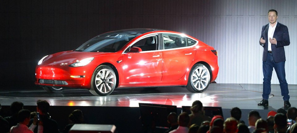 Tesla geht der Treibstoff aus