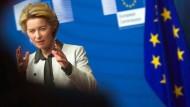 """Ursula von der Leyen, Präsidentin der Europäischen Kommission, spricht bei einer Pressekonferenz über den """"Green Deal""""."""