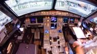 Lufthansa-Chef will Überraschungs-Checks für Piloten