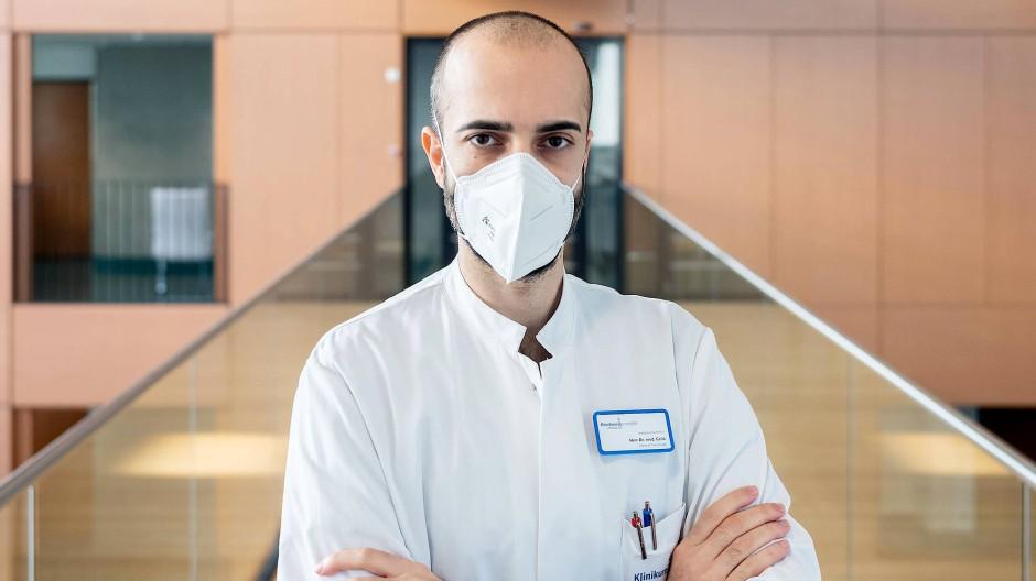 Berichtet der F.A.S. schon seit einem Jahr von seinem Klinikalltag: Lungenarzt Cihan Çelik