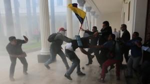 Regierungs-Anhänger beenden Blockade des Parlaments