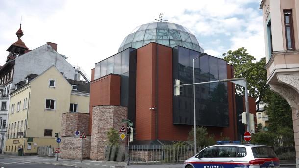Mann greift Präsidenten der Jüdischen Gemeinde Graz an
