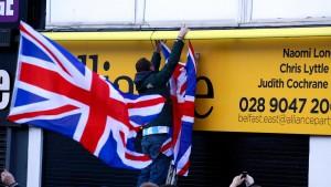 Eine Flagge entzweit