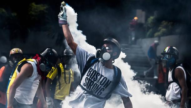 Straßenschlachten am 50. Tag der Proteste in Venezuela