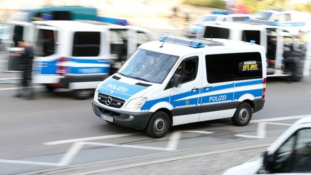 Polizei gibt nach Bombendrohung in Chemnitz Entwarnung