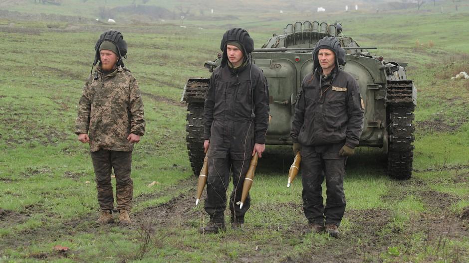 Ukrainische Streitkräfte während eines Trainings am 20. April in der Region Donezk