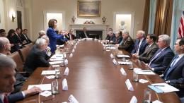 Pelosi wirft Trump Bestechung vor