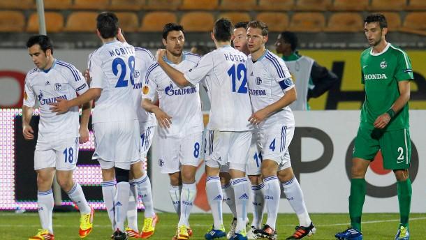 Schalke gewinnt mit B-Elf