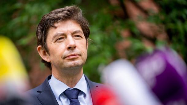 """Drosten: """"Deutschland braucht mit Sicherheit wieder Kontaktbegrenzungen"""""""