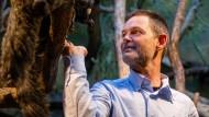 Auf Tuchfühlung: Der designierte Zoodirektor Miguel Casares hat große Pläne für die Gestaltung des Frankfurter Zoos