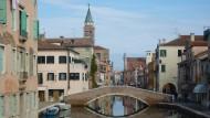 Mach einen Bogen um Venedig!