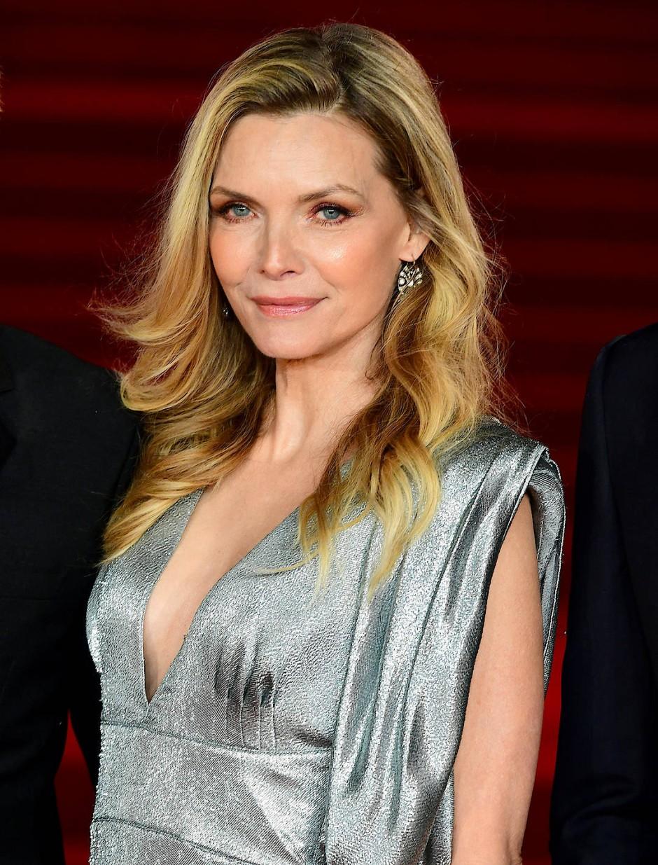 """""""Ich mache mir manchmal zu viele Gedanken, wenn es um aktuelle Entscheidungen geht"""": Michelle Pfeiffer."""