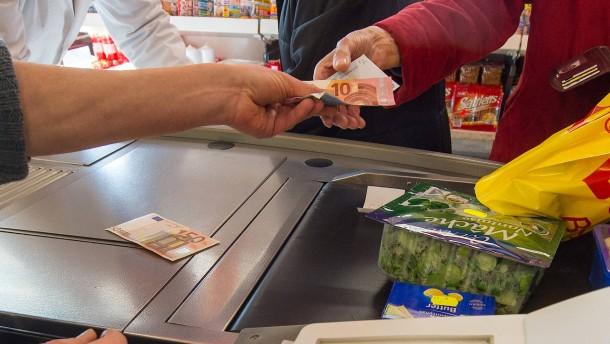 Gibt es Arbeitslosengeld künftig an der Supermarktkasse?