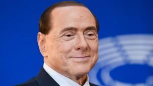 Der wechselnde Haaransatz des Herrn Berlusconi