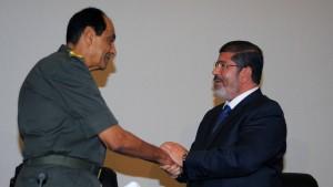 Mursi entlässt Verteidigungsminister und Generalstabschef
