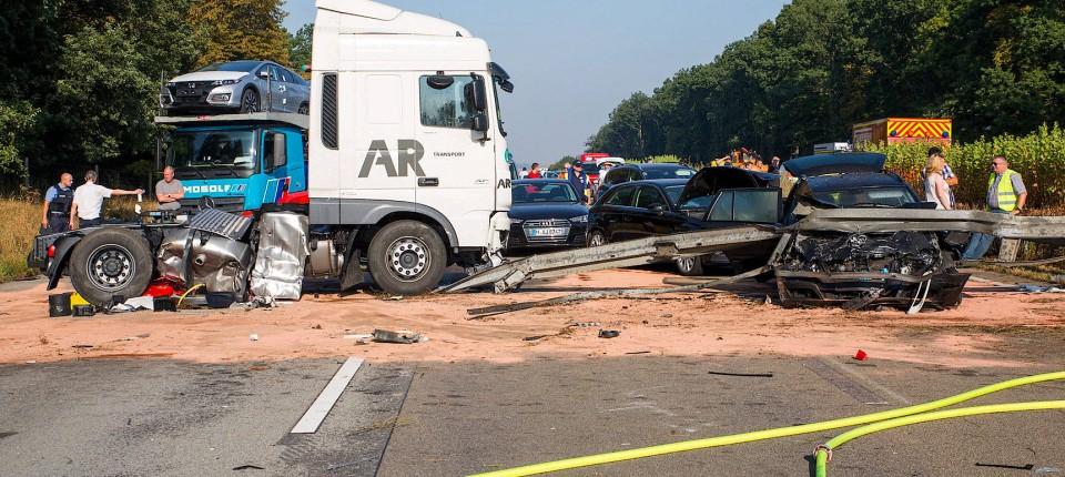 14 Verletzte Unfall Auf Der A3 Bei Limburg