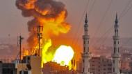 Als Reaktion auf den getöteten israelischen Soldaten greift das Militär Ziele in Gaza an.