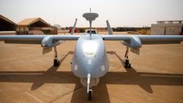 Kramp-Karrenbauer will bewaffnete Drohnen zum Schutz von Soldaten