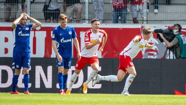 Schalke geht in Regensburg unter