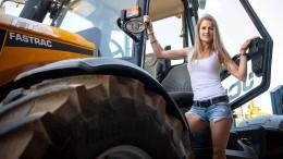Posen mit dem Traktor