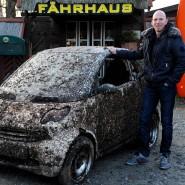 Vermuschelt: Andreas Jaeger präsentiert den Unterwasser-Smart.