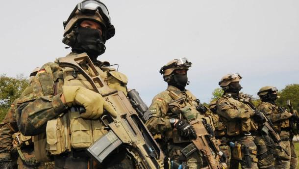 """MAD sieht """"neue Dimension"""" von Rechtsextremismus in Bundeswehr"""