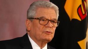Gauck fordert republikanische Verteidigungsbereitschaft