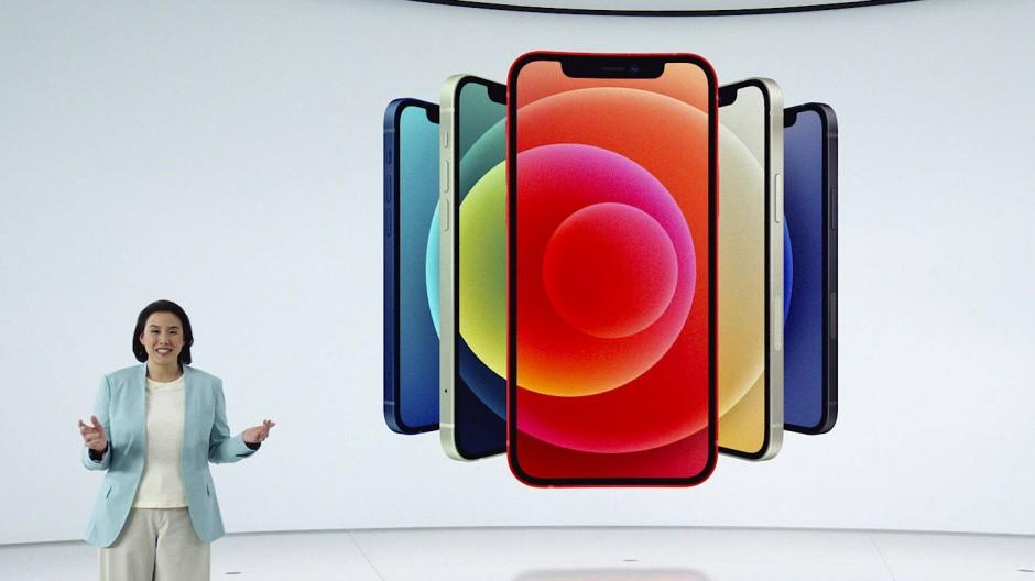 Apples stellvertretende Chefin im Produktmarketing, Kaiann Drance, stellt das neue iPhone 12 vor.