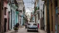 Warum Akademiker auf Kuba weniger als Straßenkünstler verdienen