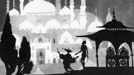 """Ohne Hanna Diyabs Märchen ist auch Lotte Reinigers Film """"Die Abenteuer des Prinzen Achmed"""" (1923) nicht denkbar."""