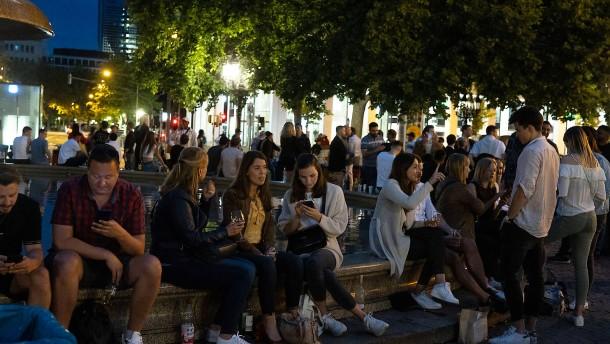 Kontrollierter Regelverstoß auf Frankfurter Opernplatz wird toleriert